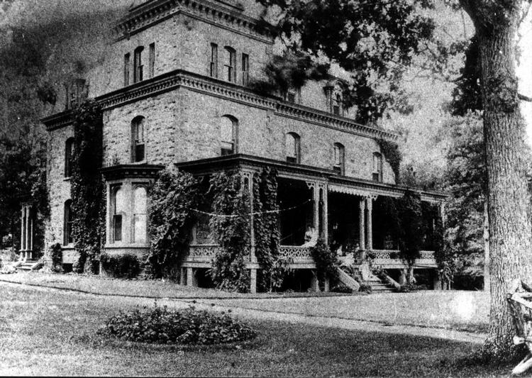 History 10964 the palisades newsletter for Abbott house